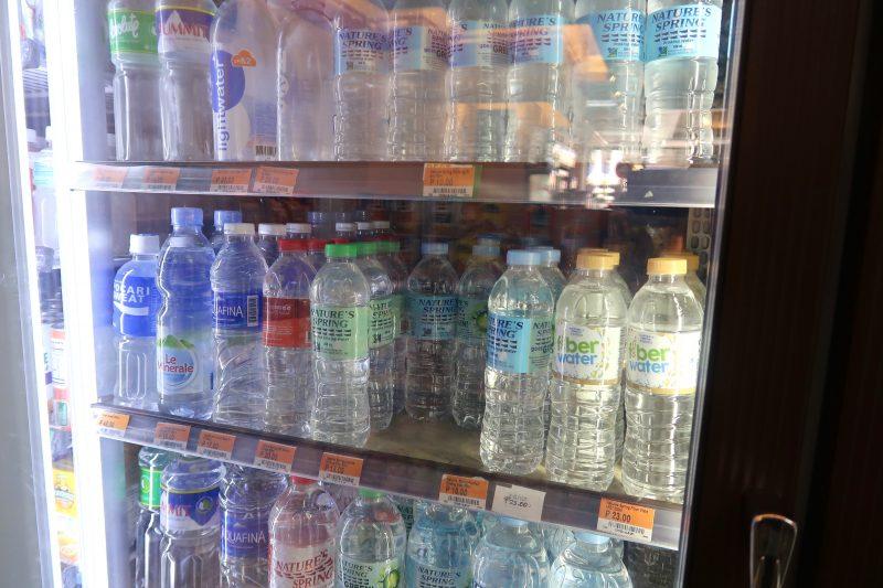 セブ島のセブンイレブンのボトルウォーター