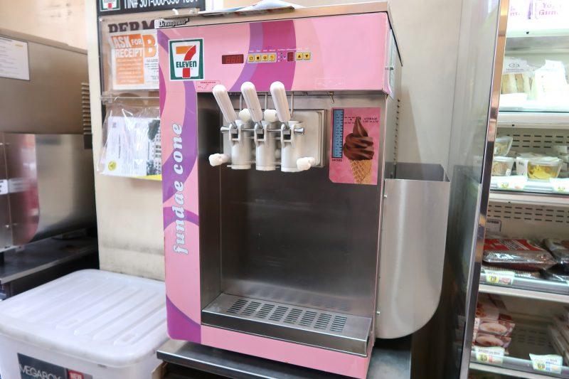 セブ島のセブンイレブンのソフトクリーム