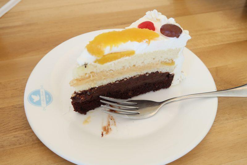 セブ島ITパークの10Doveのケーキ