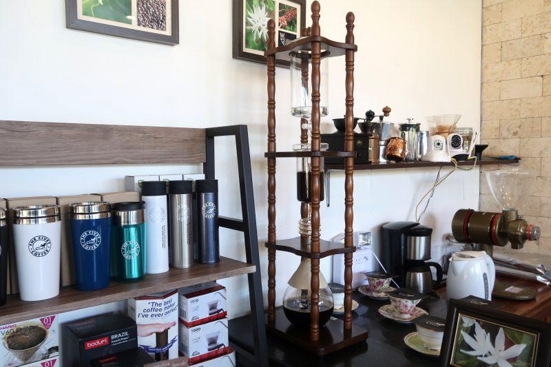 マクタン島のCivet Coffeeの店内