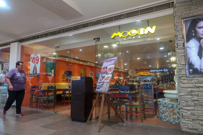 SMシティセブのMOOON CAFE