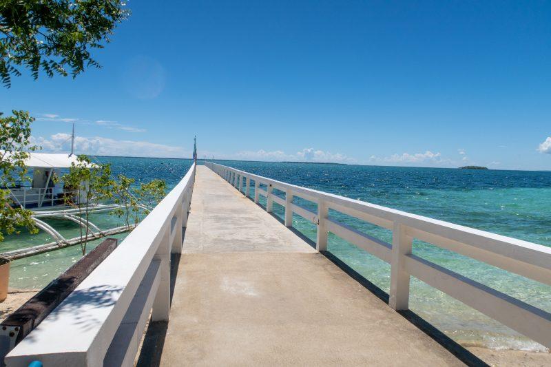 ヒルトゥガン島の桟橋