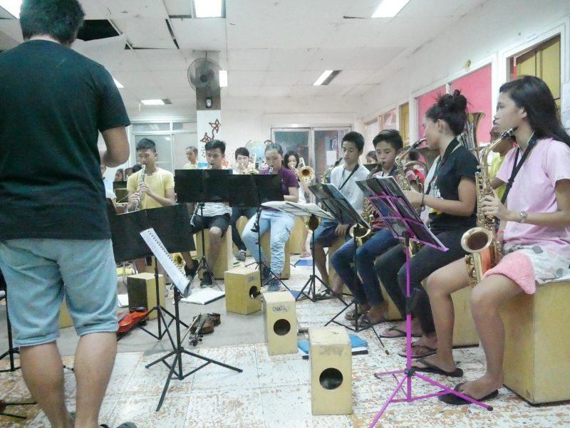 スラム街の子供達を音楽とスポーツで支援するセブンスピリット
