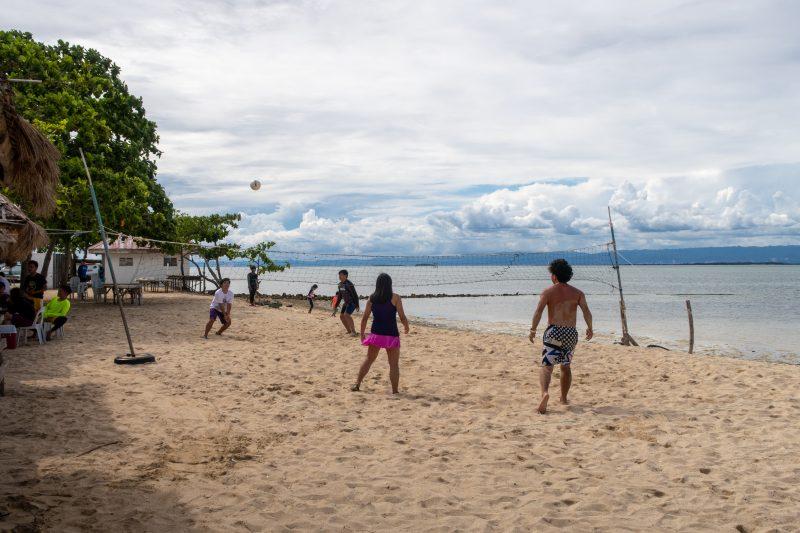 パンダノン島のビーチバレー