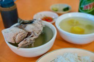 鮪スープのセブ島で最も混むローカルレストラン【Parrt Ebelle Tinola】